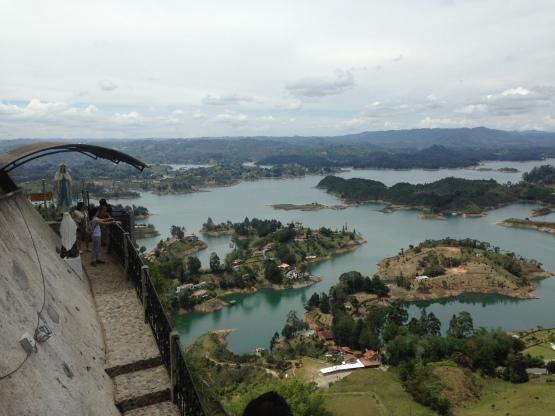 Vista das escadas - El Peñol - Richard Oliveira Vida de Mochila